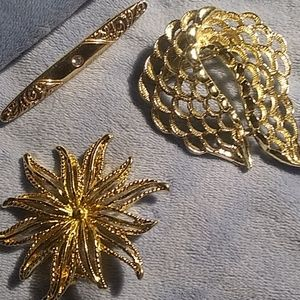 Jewelry - Trio of pins